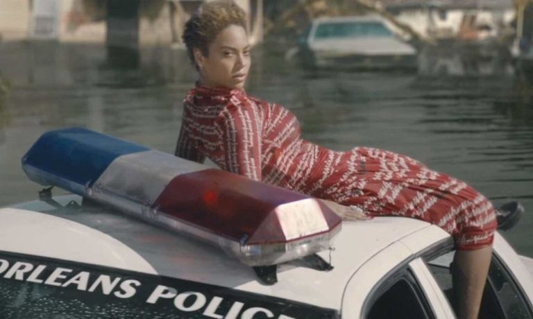 gallery-1461667112-beyonce-gucci-formation