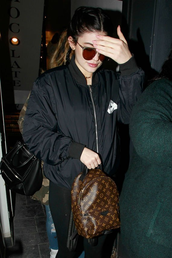 Kylie-Jenner-Louis-Vuitton-Palm-Springs-Monogram-Backpack
