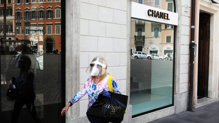 Is Chanel Losing it's Ground to Dior?